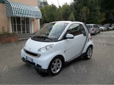 smart fortwo 1000 52 kW MHD coupé pulse usata