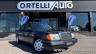 Mercedes-Benz 200 200 E usata