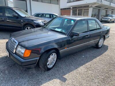 Mercedes-Benz 200 200 E